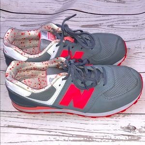 Pink & Gray New Balance shoes size 5